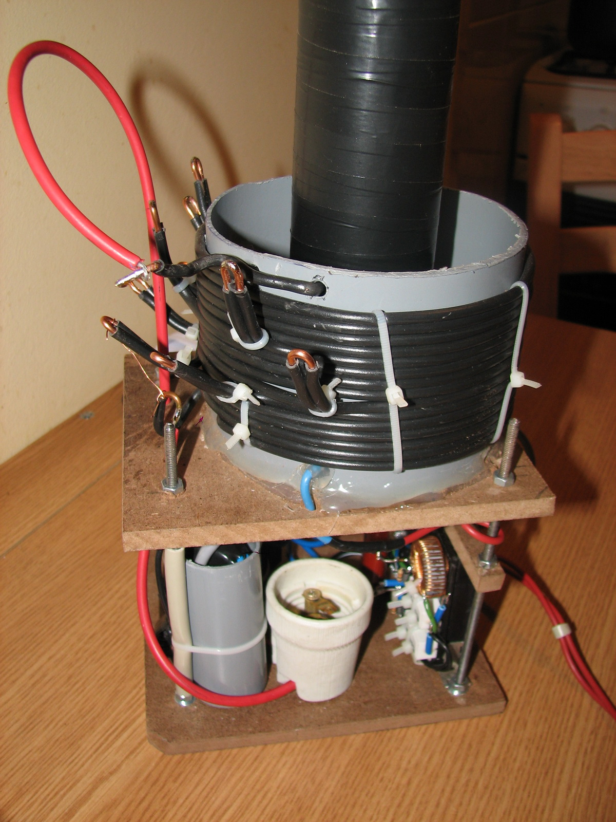 В домашних условиях трансформатор тесл 386